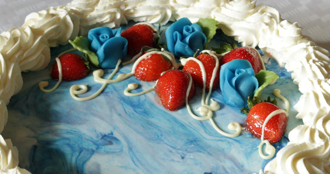 Konfirmaatiojuhlan kakku