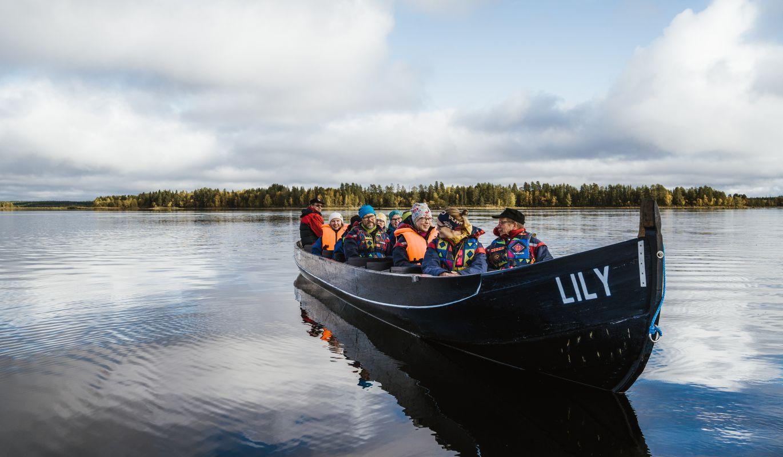 Jokiveneretkeläiset Nuorajärvellä